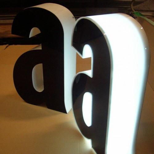 3D-Buchstaben106